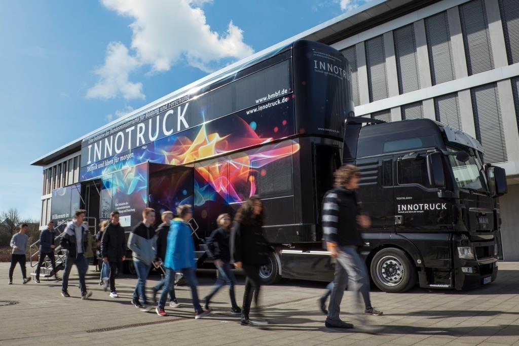 IMGL8168_Truck_aussen_RGB_ret_24cm_kompr